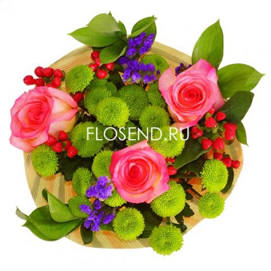 Букет из роз и хризантем и зелени - фото 2